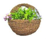 Деревенская корзина цветка стены ротанга вися