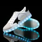 晋江の製造業者の卸売PU上部ライトLED靴