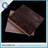 20cm à 30cm de largeur de la conception du grain de texture en bois laminé PVC PVC panneau plastique Panneau mural
