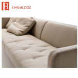 El sofá de tres plazas de la tela fijó para los muebles de la sala de estar