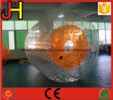 熱い販売の膨脹可能な水ローラー球