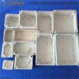 Rectángulo impermeable plástico IP65/IP67 con el tornillo plástico