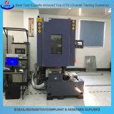 L'électronique et de la température de vibration de l'environnement chambre de test sur table élévatrice