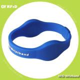Wrs07 conjuguent des bracelets d'IDENTIFICATION RF de puce pour le parc d'attractions (GYRFID)