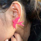 Brincos cor-de-rosa grandes bonitos do parafuso prisioneiro da indicação do metal do pássaro
