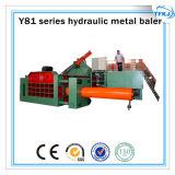 Macchina per l'imballaggio delle merci residua del metallo idraulico della pressa-affastellatrice dello scarto