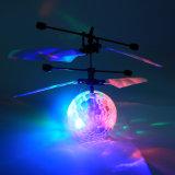 RC de infrarode Helikopter van de Inductie/de Vliegende Bal van Vliegtuigen met leiden voor Jonge geitjes