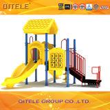 Juguetes al aire libre galvanizados coloridos del patio de los niños del poste con la diapositiva