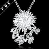 Collar plateado plata vendedor caliente de la gota de la dimensión de una variable de la flor para la muchacha