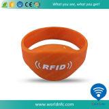 Bracelets passifs imperméables à l'eau d'IDENTIFICATION RF de silicones d'ISO14443A