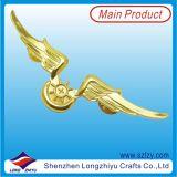 El Pin en forma de corazón de la divisa del metal con Shinny el oro plateado para el precio barato