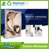 Einzelner seitlicher Spiegel, der Acrylsuper dünnen hellen Kristallkasten erfasst