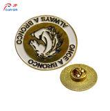 高品質OEM/ODMの創造的な金のMatelのカスタマイズされたバッジ