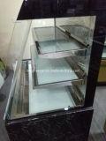 Vorderseite-geöffnete Nahrungsmittelbildschirmanzeige Refrigeraotor
