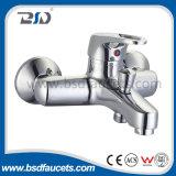 普及したH59真鍮の熱い冷水の台所ミキサー
