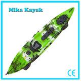 Professional s'asseoir sur le dessus de kayak de mer pour la vente de bateaux de pêche
