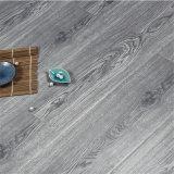 E1 изготовлены из дерева на полах стороны считали HDF ламинатный пол серого цвета