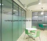 浴室のドアのための6mm高品質によって曇らされる超明確か低いの鉄の緩和されたガラス