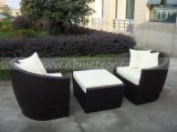 Mtc276ホテルの屋外の藤のFootstoolが付いている柳細工の余暇の椅子そしてソファー