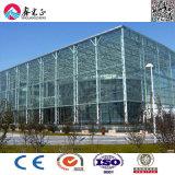 Sala d'esposizione chiara prefabbricata della struttura d'acciaio