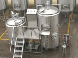 Matériel de brassage dans la petite Chambre de bière