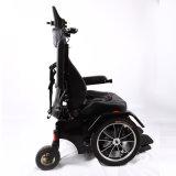 Luxuxaluminiumrahmen, der elektrischen Rollstuhl für Behinderte steht