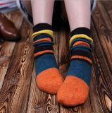 Bunte Form-klare Jacquardwebstuhl-Stapel-Kleid-Socken