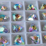 Il fornitore di Pujiang indicato ha placcato i branelli sfaccettati taglio di cristallo del Aquamarine del triangolo dell'argento