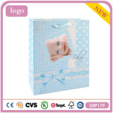 Голубая симпатичная белая сумка младенца бумаги карточки, мешок подарка бумажный