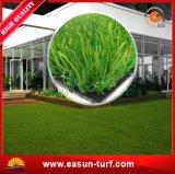 На лужайке в саду ландшафт искусственных травяных оформление сад синтетическим покрытием