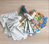 Tarjeta de papel de dibujo personalizado para niños jugando