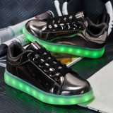 Basketball Sports Colorful Light Men Men Chaussure brilhantes Casual Shoes LED