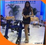 Im Freien bereisender elektrischer Mobilitäts-Roller mit Markisen