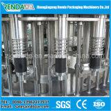 Água de engarrafamento que faz a máquina/que enche e a máquina de selagem