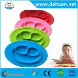 Plaques alimentantes de vente chaudes de repas d'aliments pour bébés de plaques de bébé de bâton de silicones de sourire non