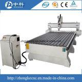 Máquina do CNC da gravura de madeira