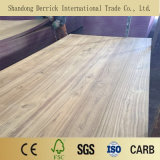 Los álamos un grado básico de contrachapado de madera de teca natural a Ludhiana
