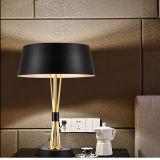 Illuminazione decorativa moderna bianca meravigliosa della lampada della Tabella della camera da letto per l'hotel