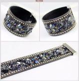 Form-Frauen-ledernes Armband-Armband mit magnetischen Haken-Steinen