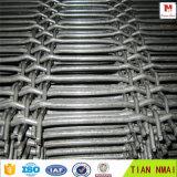 Het roestvrij staal plooide het Netwerk van de Draad in Fabriek wordt gemaakt die