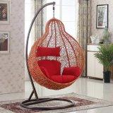 バルコニーの屋外のハングの卵の椅子の枝編み細工品/藤のテラスの振動/家具D028