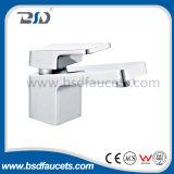 Le filigrane simple Wels de robinet de bassin de traitement de salle de bains de fini de chrome a reconnu