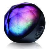 Il LED illumina l'altoparlante senza fili portatile del calcolatore di Bluetooth con telecomando