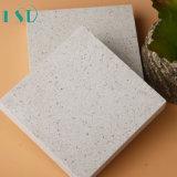Камень кварца снежка льда белый с средств обломоками