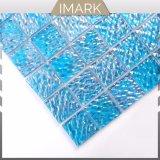 Синий цвет кривой воды бассейна миниатюры мозаики