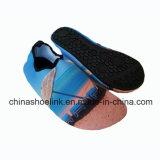 水水のサーフの靴の高品質の卸売水水の靴