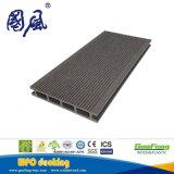 A fábrica produz um deck WPC de alta qualidade