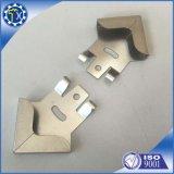 Kundenspezifische Metallherstellung zerteilt Stahlaluminiummetalleckschoner für Möbel