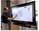 Strumentazione diritta dell'aeroporto dello schermo del pavimento dell'interno di Remoto di controllo di 55 pollici che fa pubblicità all'affissione a cristalli liquidi dello schermo di tocco