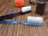 Brosse à dents en plastique transparente à usage de voyage